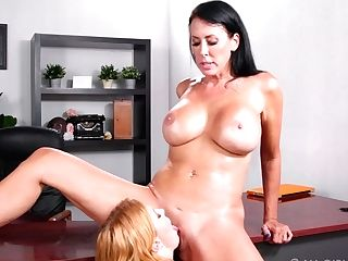 G/g Assistant Entices Entices Bossy Cougar Penny Pax And Licks Her Labia On The Table