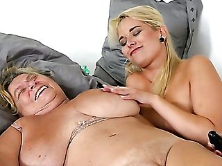 Matures Chubby Oldie Gets Her Greedy Twat Frigged And Slurped By Beauty
